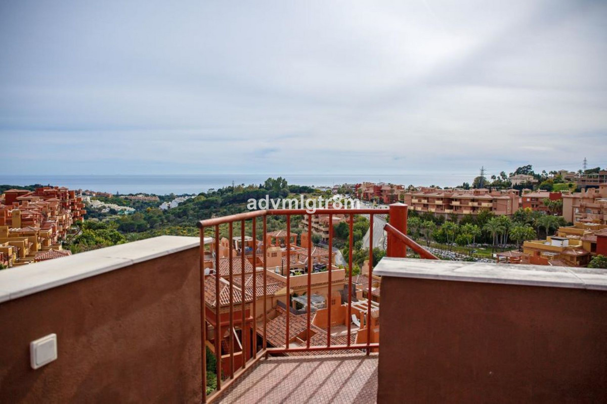 Penthouse in Marbella R3437308