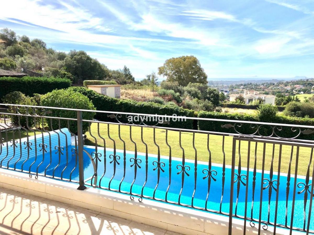 Detached Villa, Nueva Andalucia, Costa del Sol. 5 Bedrooms, 5 Bathrooms, Built 1300 m 2;, Terrace 25,Spain