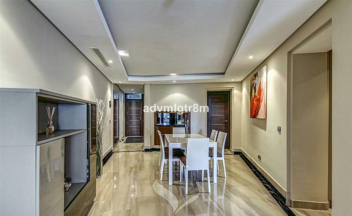 Mellemetagelejlighed Til salg i Estepona R3251926