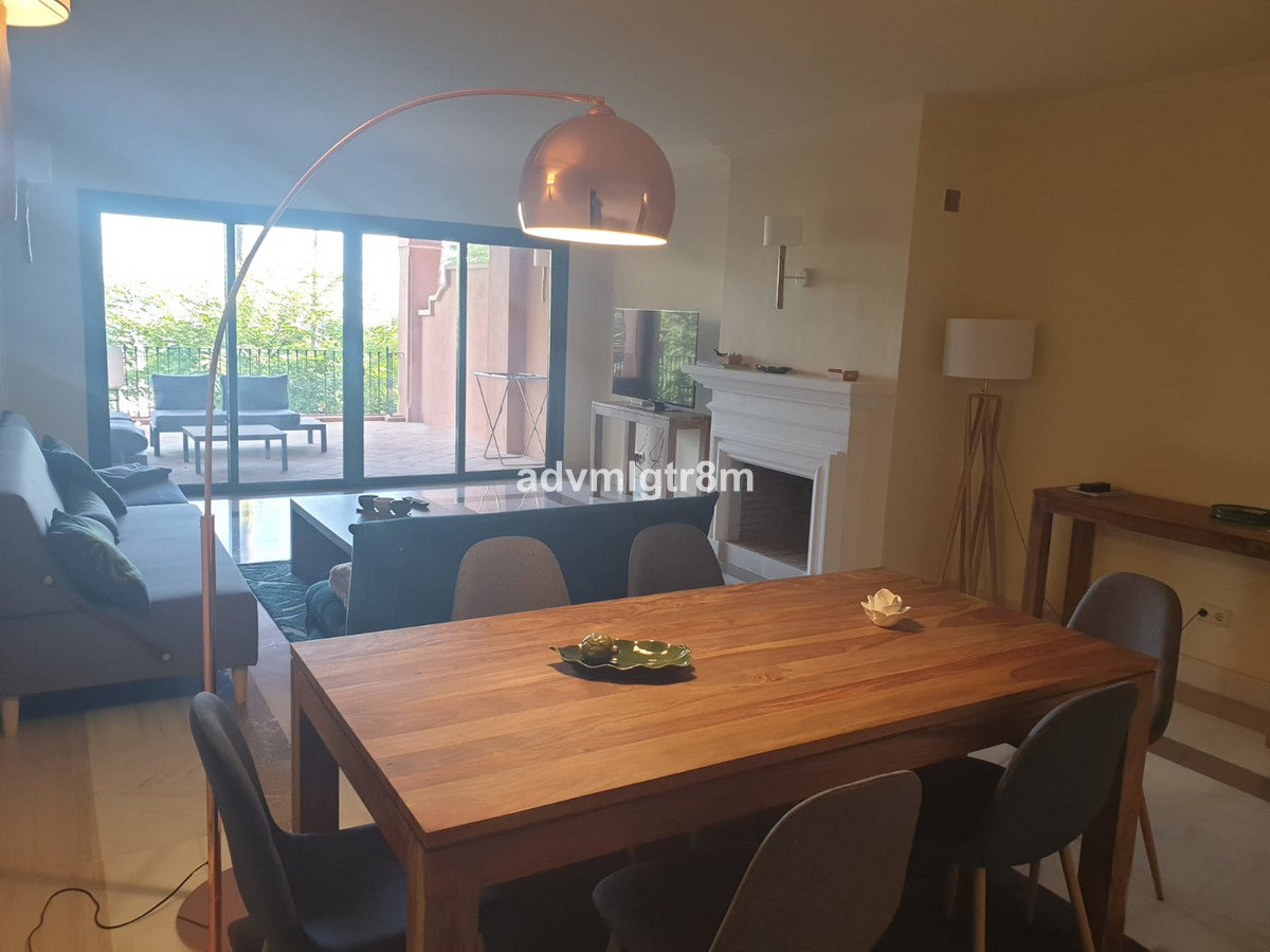 Middle Floor Apartment for sale in Monte Halcones R3477322