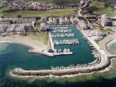 1 Bedroom Parking Space Commercial For Sale La Duquesa