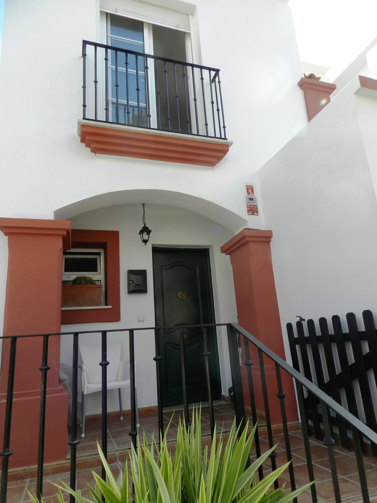 6 bedroom townhouse for sale casares playa
