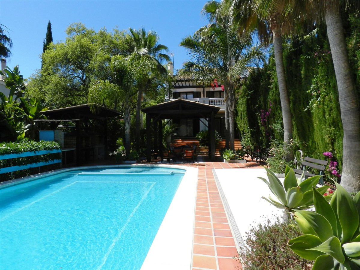 SOTOGRANDE ALTO, Luxury villa with 4 bedrooms .....   Fantastic opportunity to acquire this double b, Spain