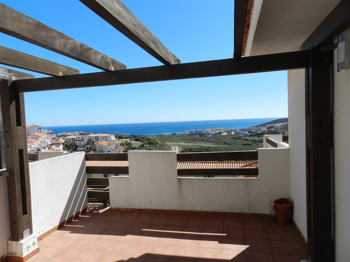 In a wonderful residence in the hills of Manilva , housing 75 m2c with large terraces, 2 bedrooms, 2, Spain