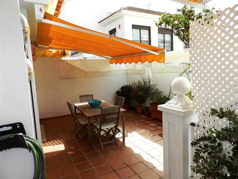 Apartment  Ground Floor 													for sale  															and for rent 																			 in La Duquesa