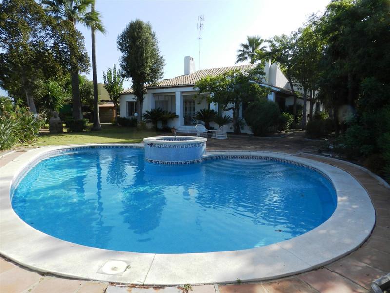 Villa – Chalet en venta, La Duquesa – R3479746