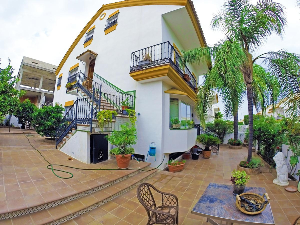 Very spacious property in Guadalmina Alta with almost 500m² built divided into 4 floors currently se,Spain