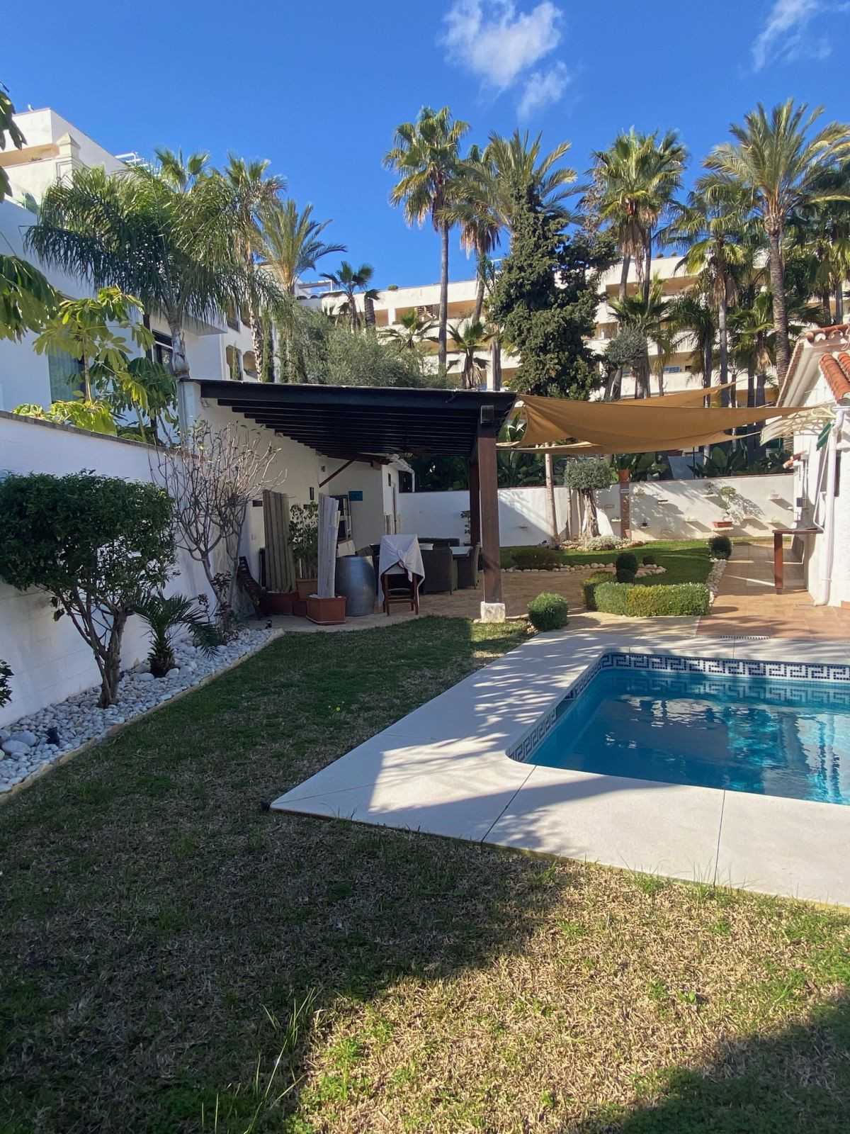 3 bedroom villa located in a well established beachside urbanization with easy access to the beach a,Spain