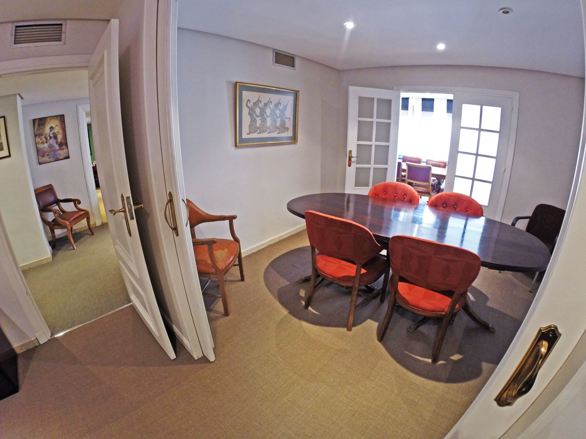 Elegant office in Marbella center with 4 rooms We offer you the opportunity to acquire this office i, Spain