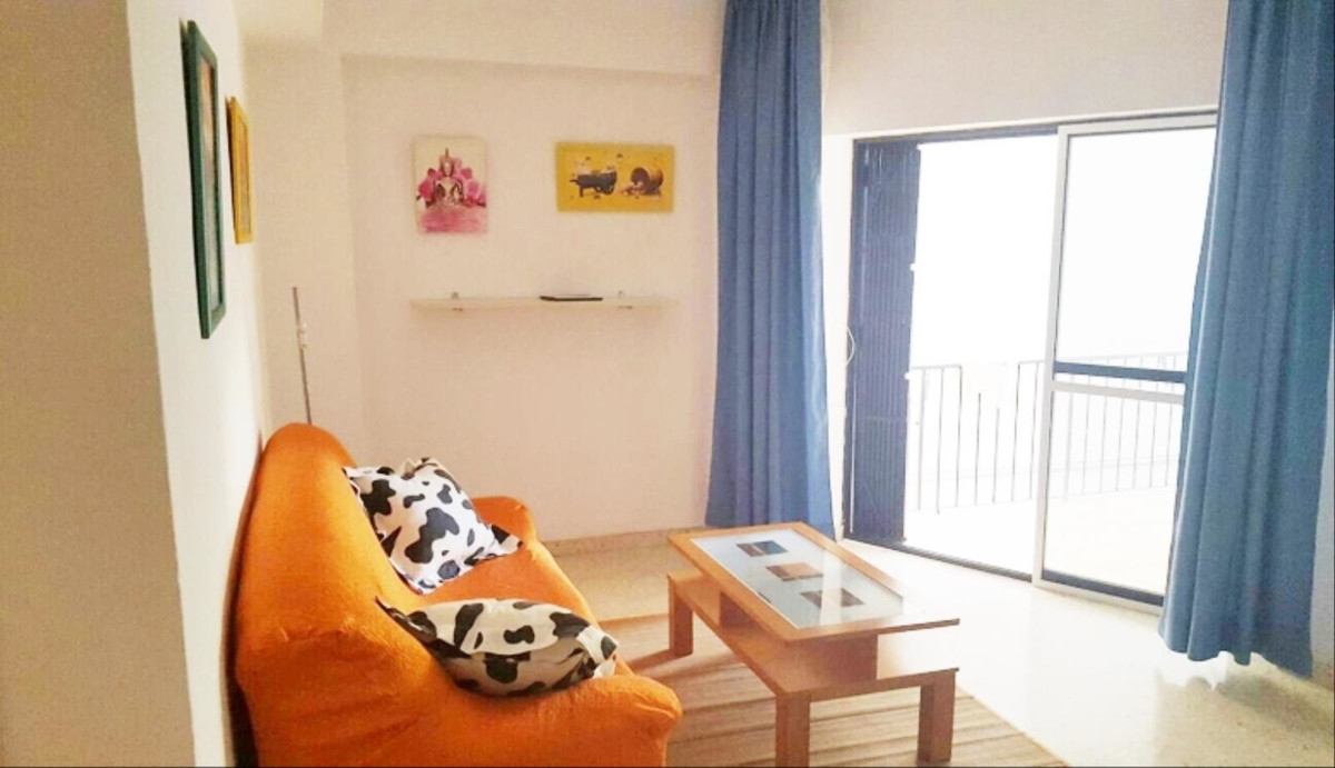 Middle Floor Apartment in Marbella R2846501