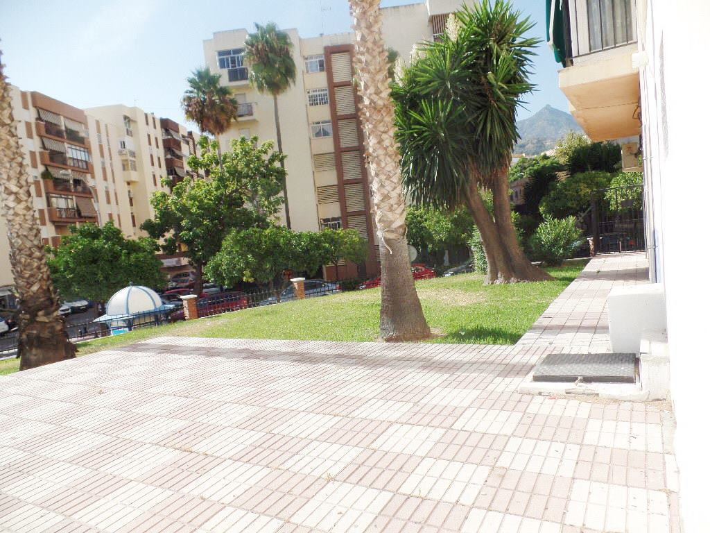 Commercial in the area of Miraflores, Marbella.  Local corner business, very bright with many window,Spain