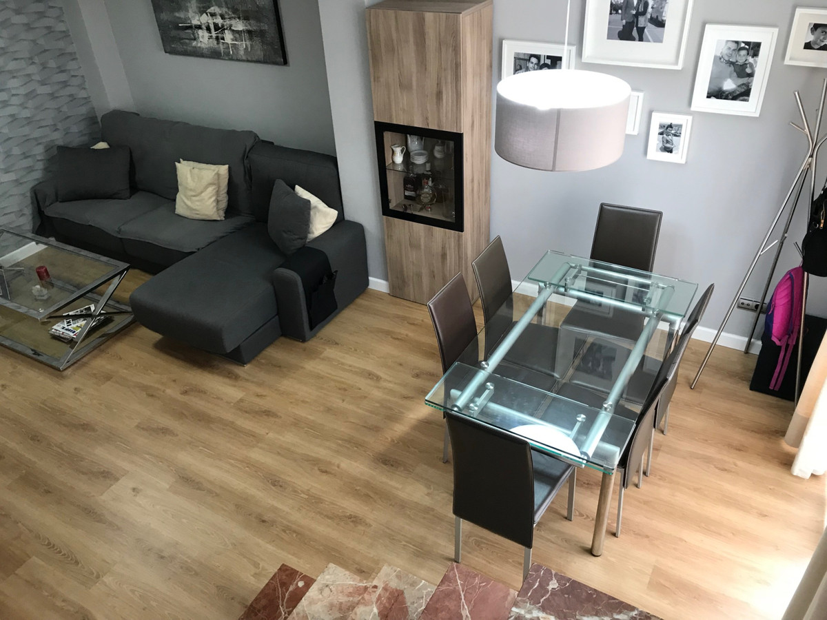 Duplex penthouse in San Pedro beach !!! Apartment located in the area of the Boulevard of San Pedro ,Spain