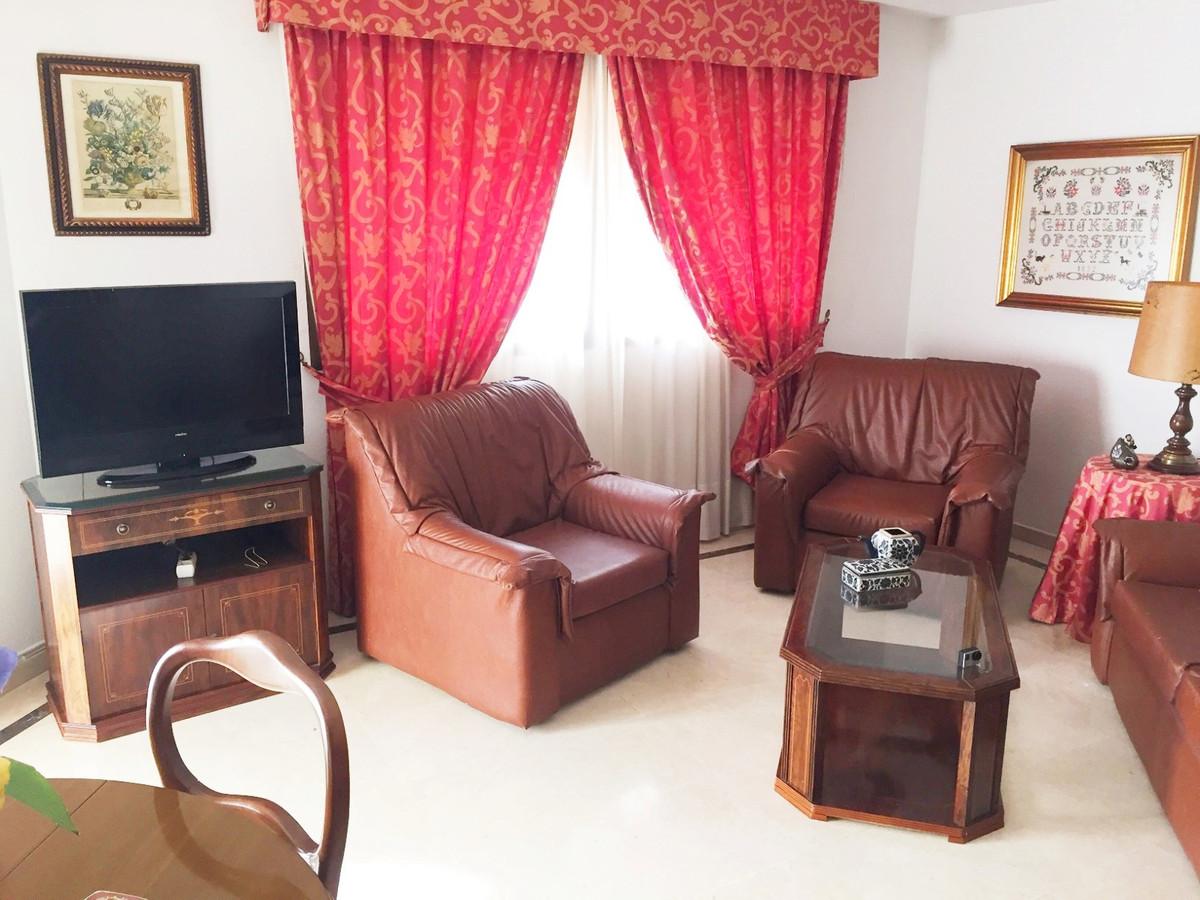 Piso Planta Media en Marbella R2593532