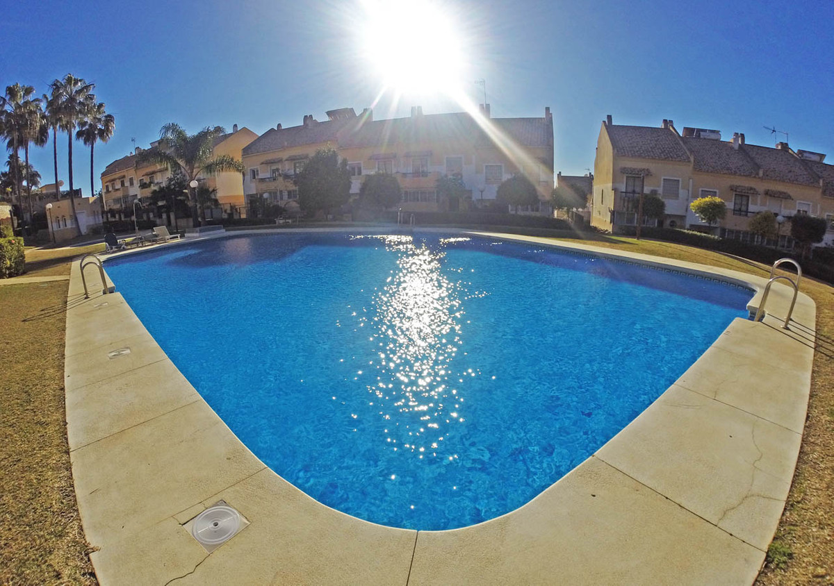 Large townhouse in Marbella Don Miguel area We show you this fantastic townhouse in Marbella, in the,Spain