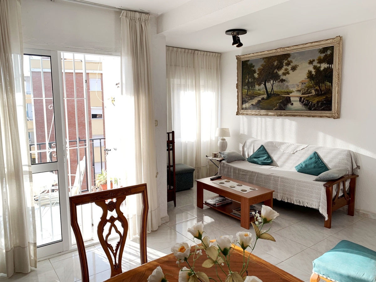 Apartamento Planta Media en Venta en Marbella – R3362788