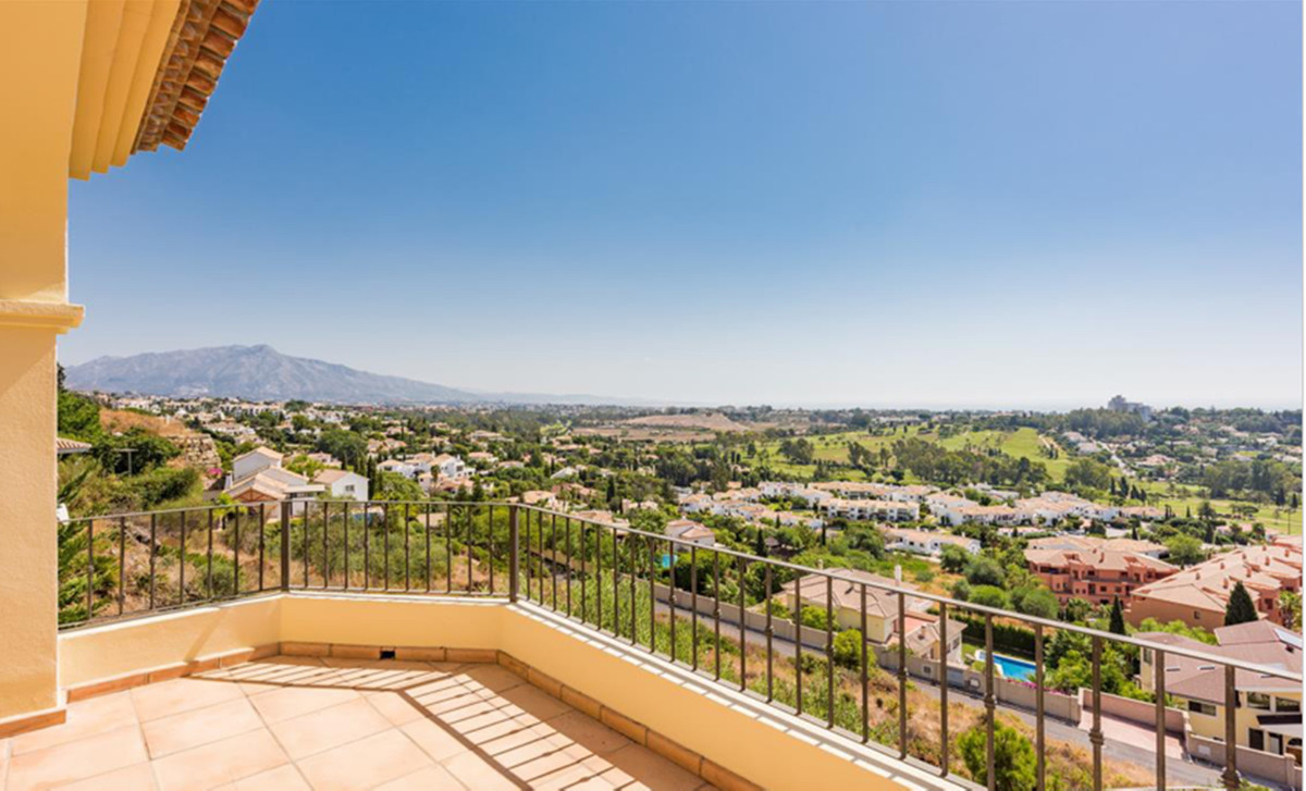 5 Bedroom Villa For Sale - Sierra Blanca