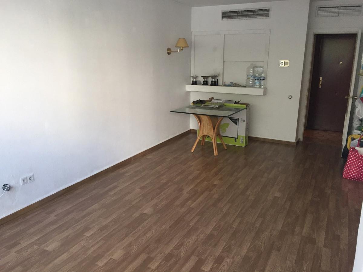 Marbella Banus Apartamento Planta Media en venta en Marbella – R2679506