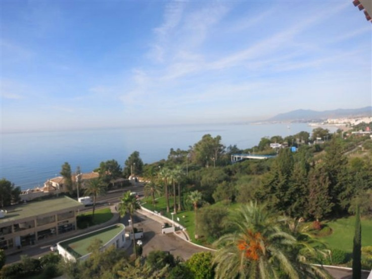 Fantastic south facing duplex penthouse with sea views in Torre Real. Located in a urbanization with,Spain