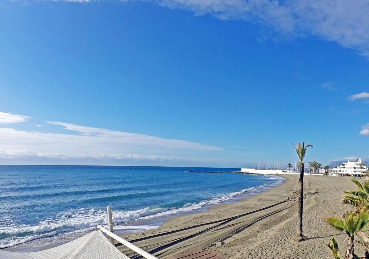 Apartamento en Venta en Marbella – R2700434