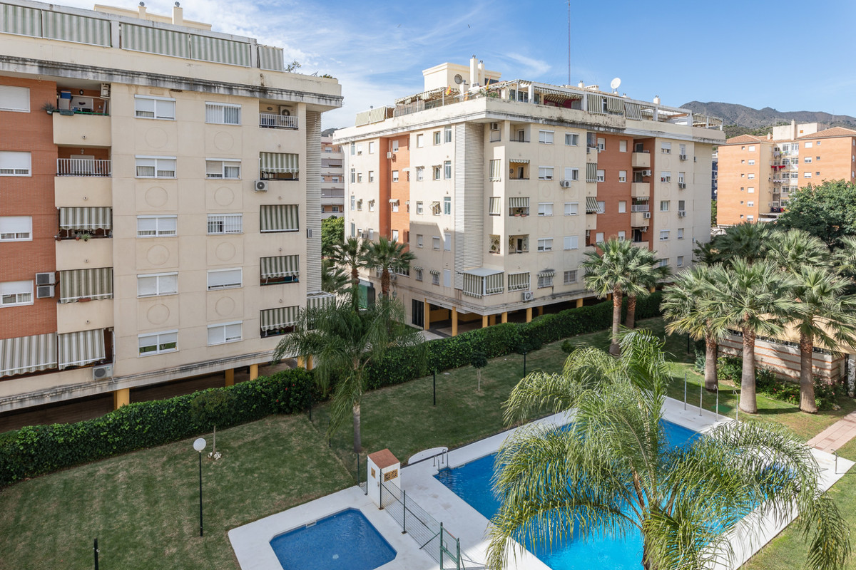 """Fantastic apartment for a family life, investment for life near the center of the city, very b, Spain"