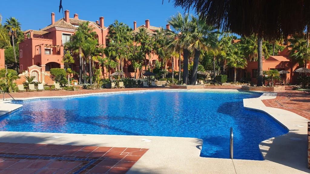 Marbella Banus Apartamento en Venta en Puerto Banús – R3771439