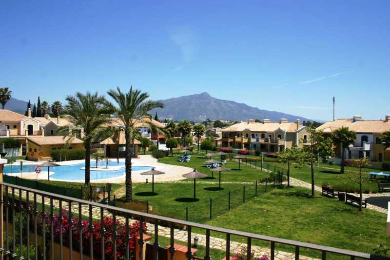 4 bed townhouse for sale guadalmina alta