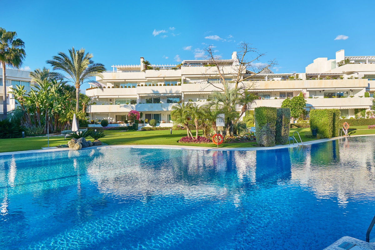 Luxury apartment for sale in Los Grandos Golf in Nueva Andalucia  Beautiful and bright apartment wit,Spain
