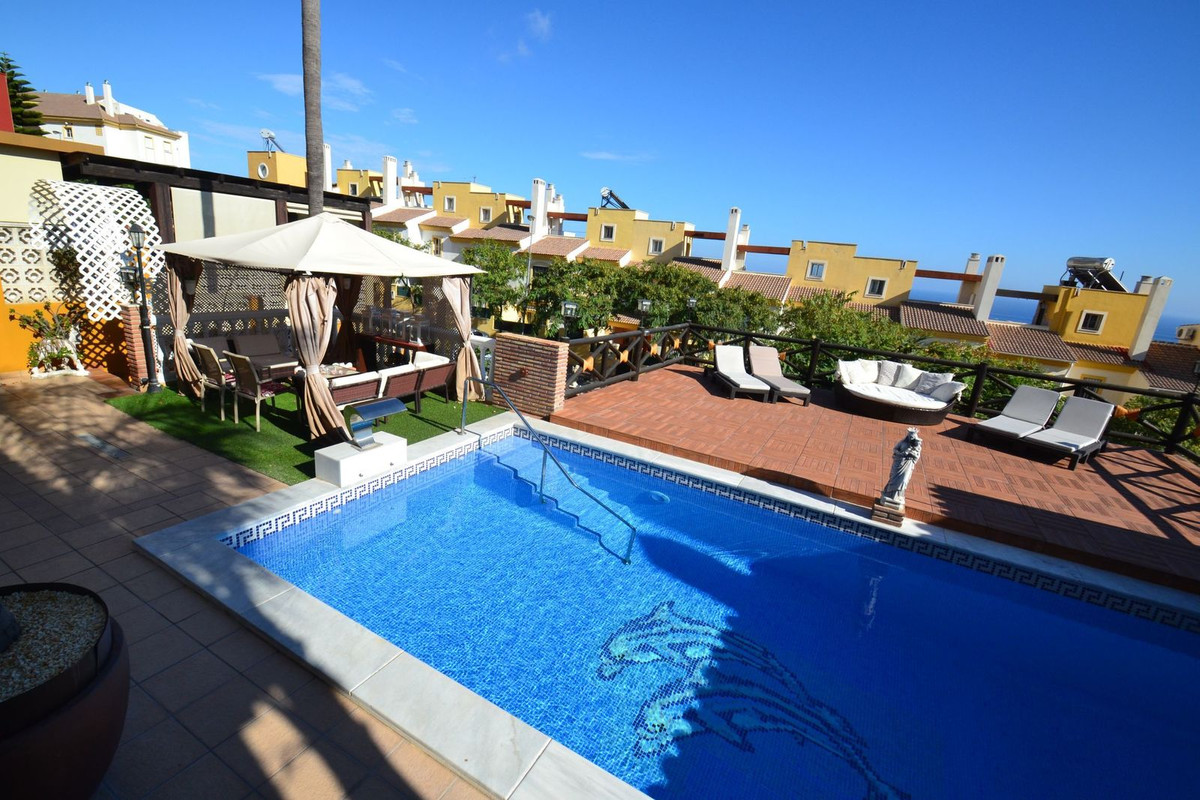 Villa in Benalmadena 5 bedrooms, 4 bathrooms and 1 toilet. Charming villa with magnificent views who,Spain
