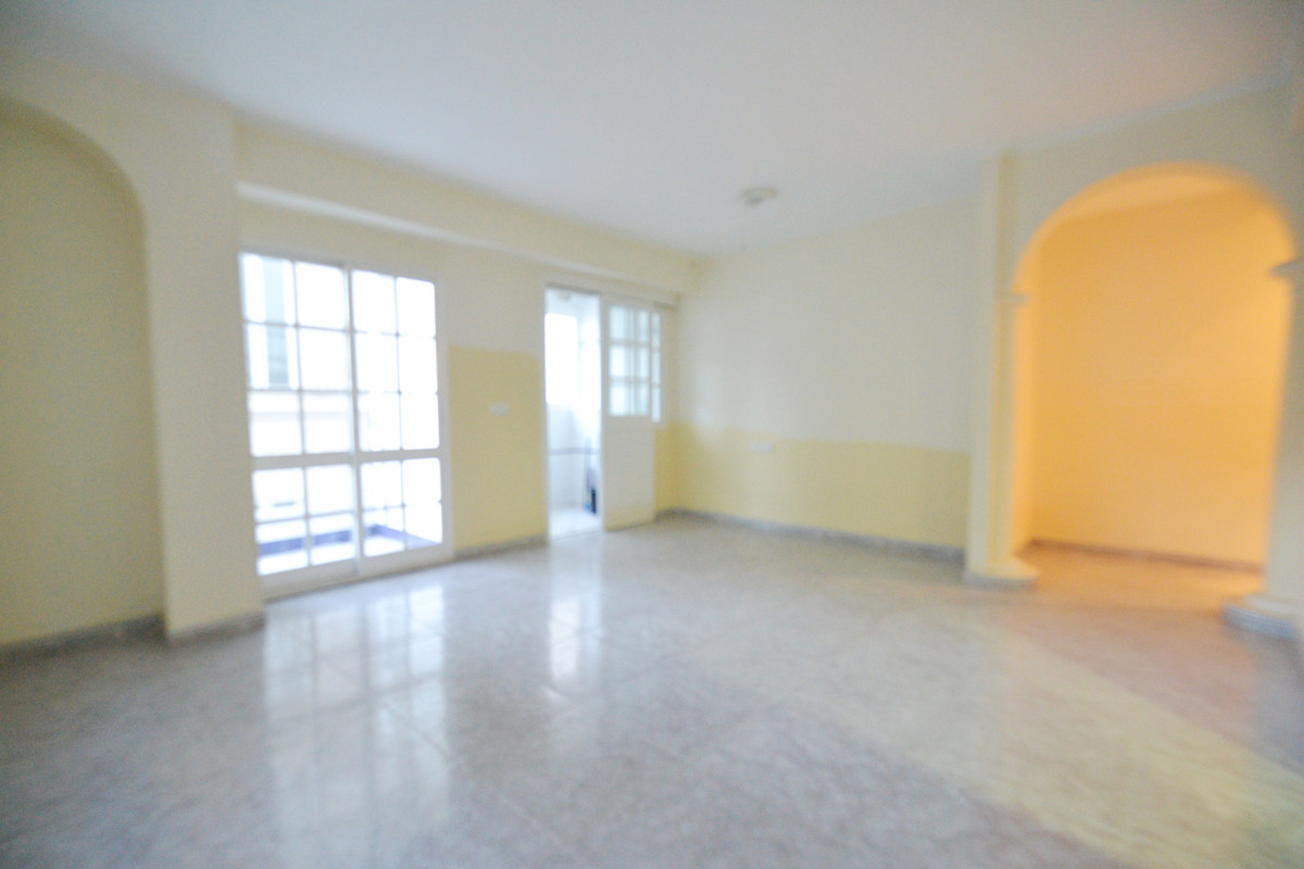 Nice 3 bedroom apartment converted into 2 in the center of Alhaurin el Grande, Gerald Brenan area, c,Spain