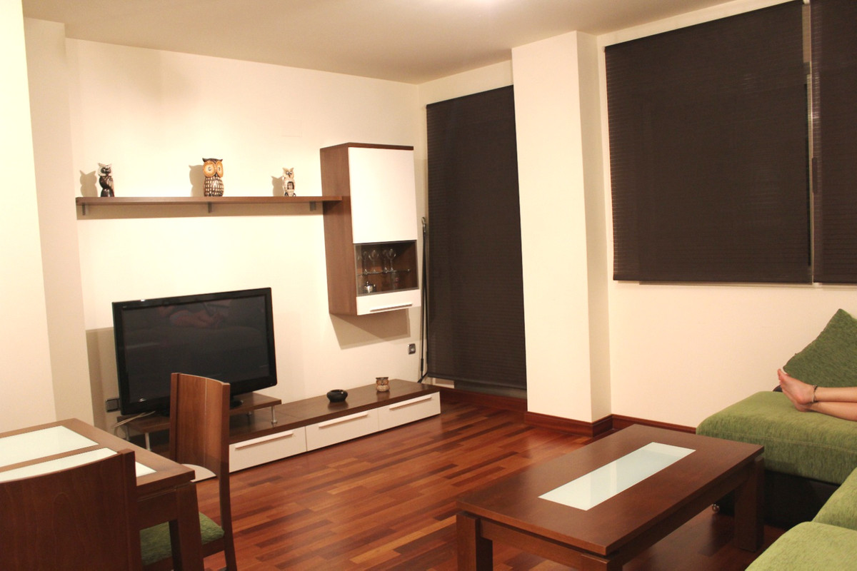 fully furnished apartment with high quality materials air conditioning and central heating wooden fl,Spain