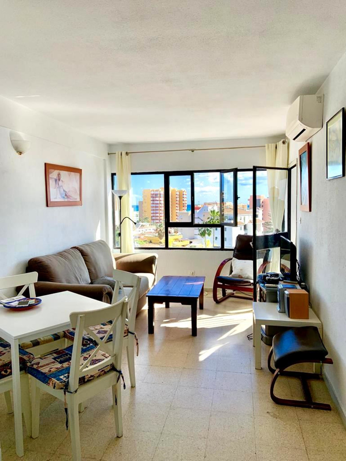 Opportunity! , Flat in Benalmadena Costa ready to move into and just 3 min walk from the beach and 5,Spain