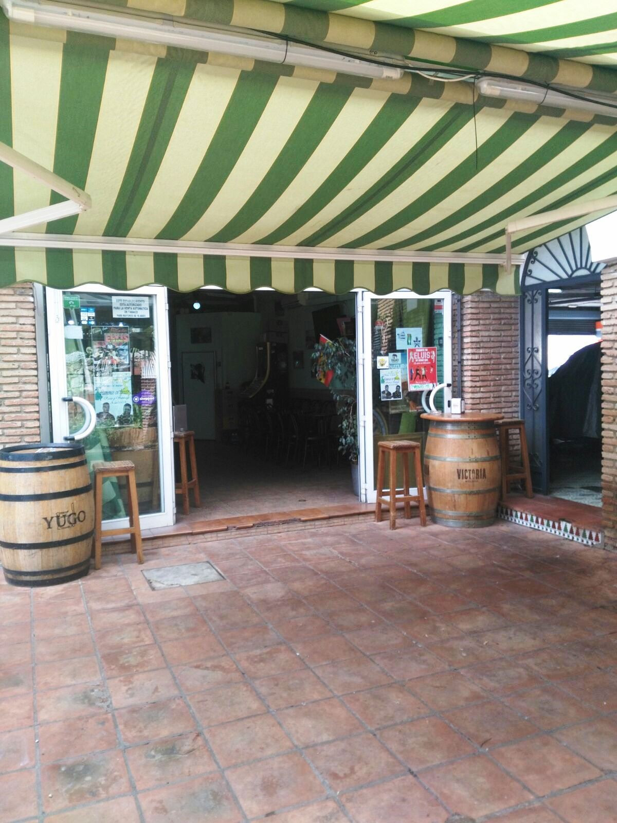 Sale of local bar in front of the Parque de Atracciones Tivoli. 60 meters built surface with access , Spain