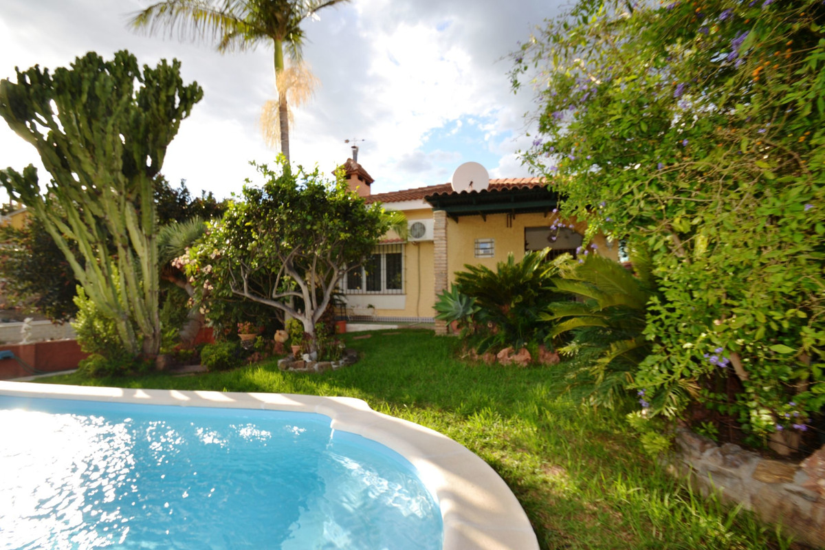 Villa with 3 bedrooms in Benalmadena. Beautiful villa on one floor located in one of the most popula, Spain
