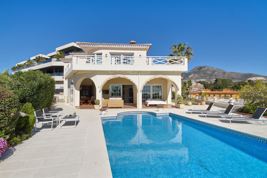 Describe this Villa in one word: HEAVENLY! Yet probably still an understatement… Built on three stor,Spain
