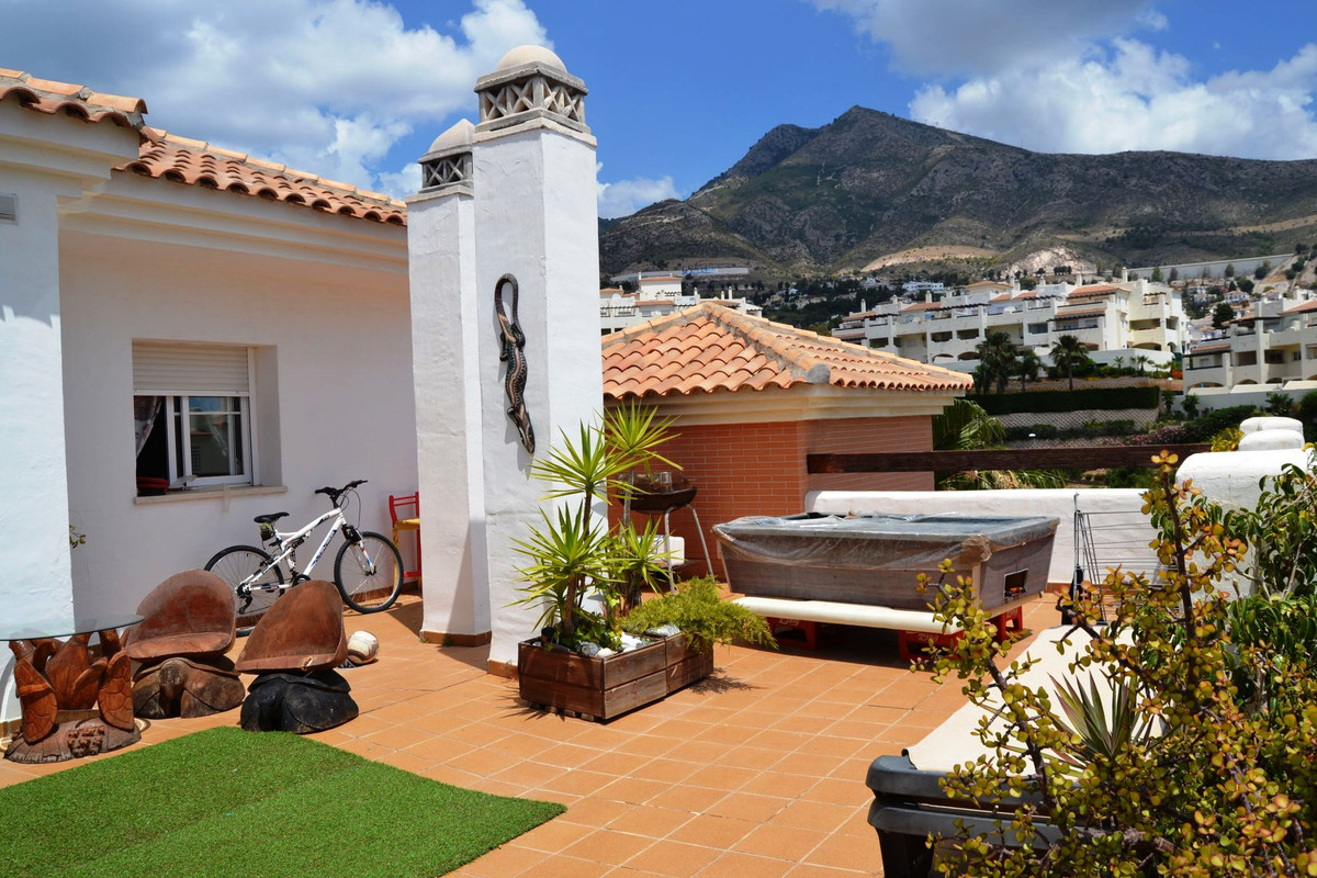 Penthouse with 2 bedrooms converted into 3 in Benalmadena, located in the Arenal Golf Urbanization, , Spain