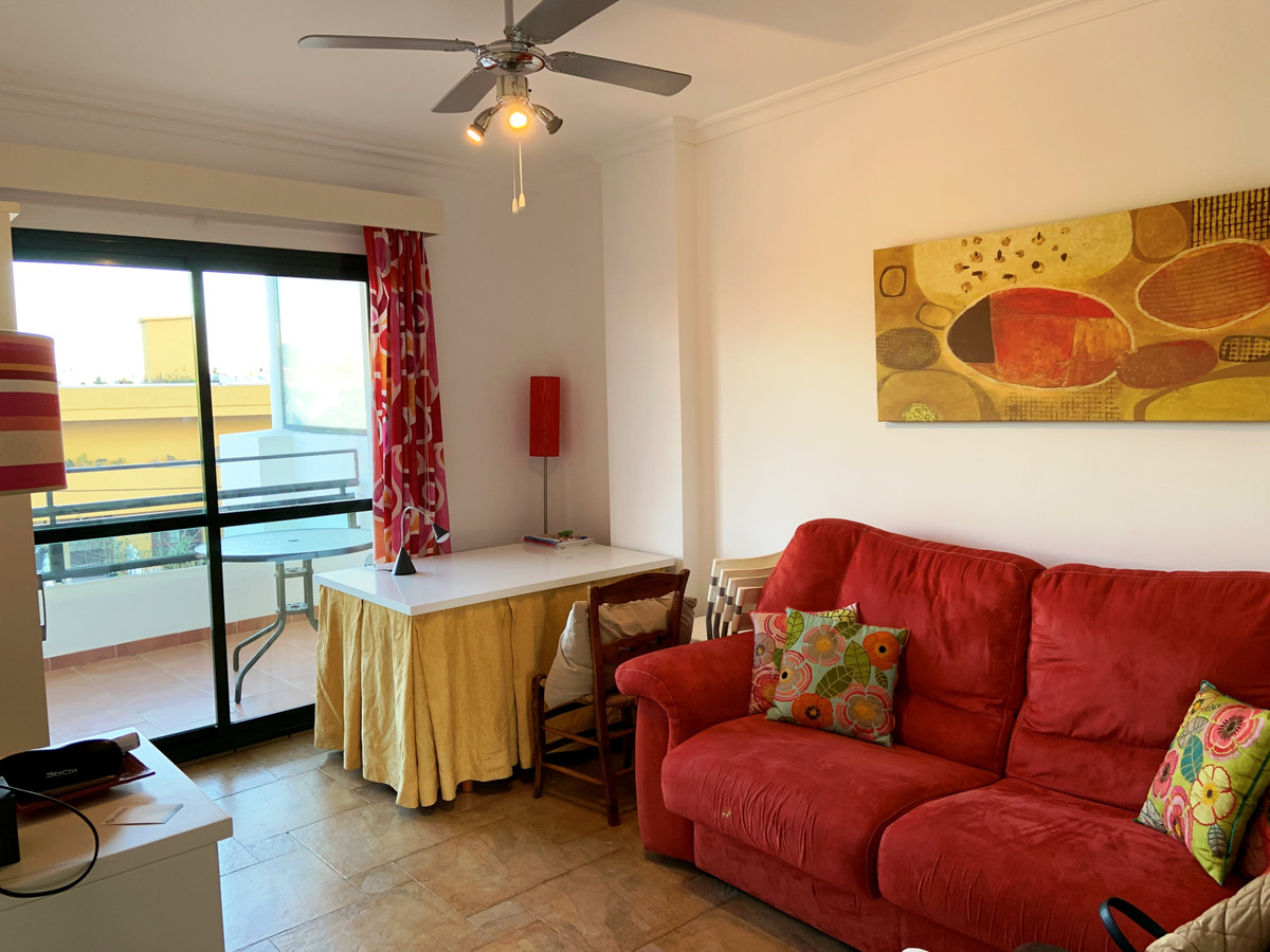 A very well located 1 bedroom apartment, just 2-3 minutes walking distance from Puerto Marina and th,Spain