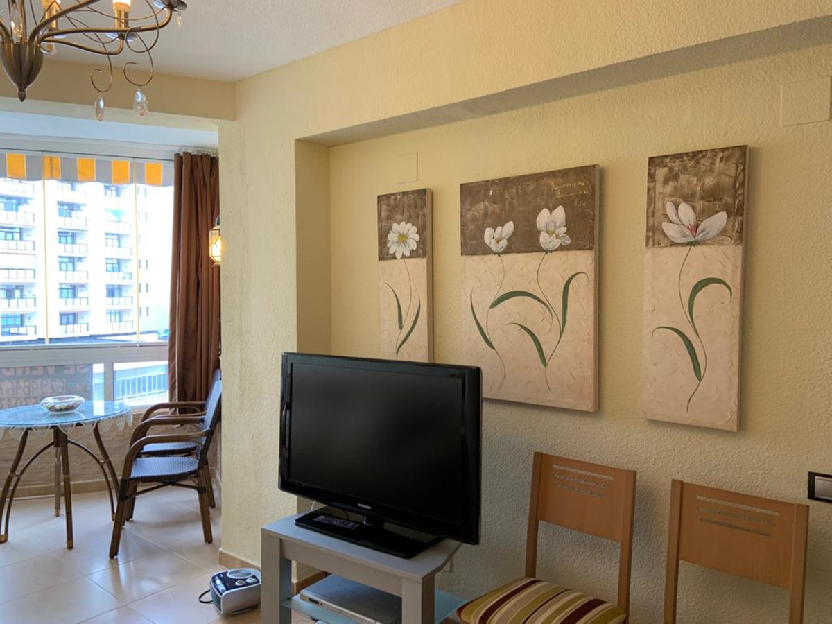 Middle Floor Apartment for sale in Benalmadena R3685895