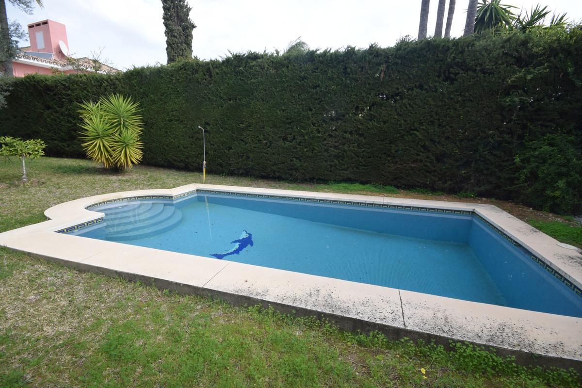 Marbella Banus Villa en Venta en Marbella – R3792985