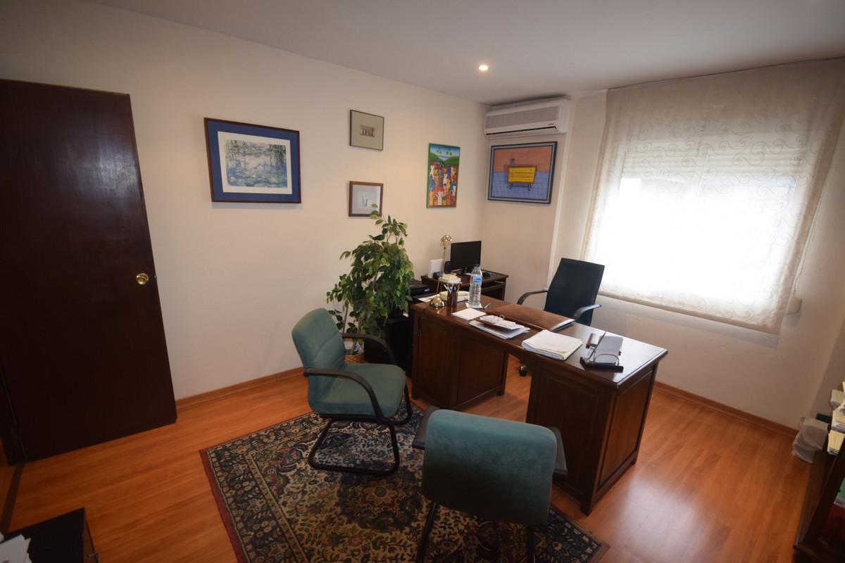 Apartment for Sale in Marbella – R3759322