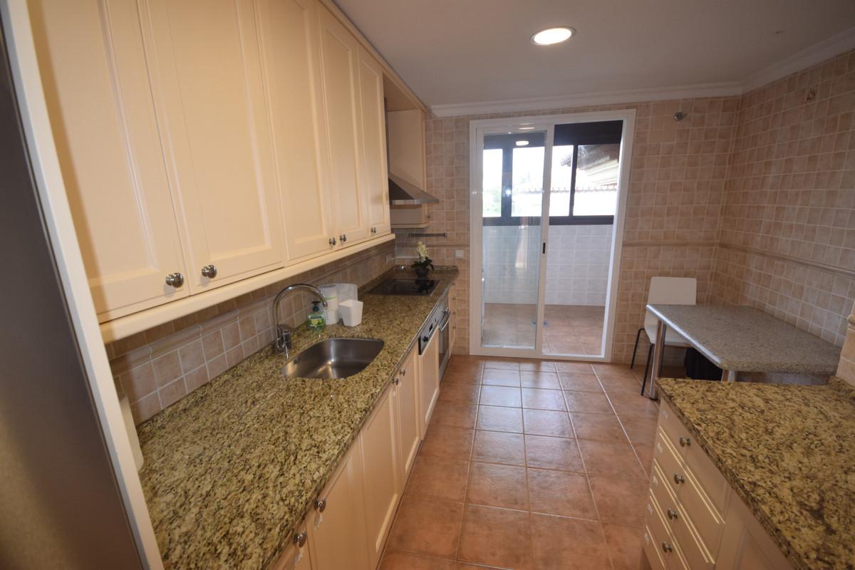 Apartamento en Venta en Nueva Andalucía – R3794452