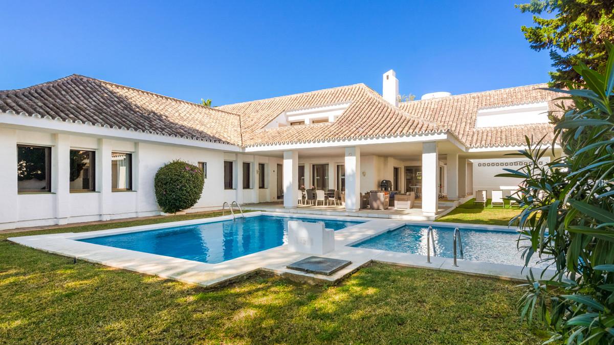 Marbella Banus Villa en Venta en Puerto Banús – R3799474
