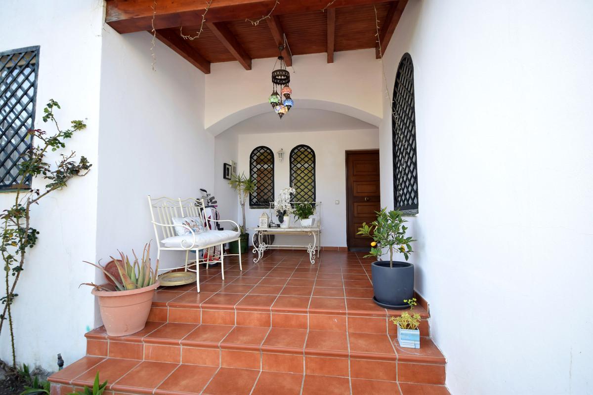 Adosado en Venta en Nueva Andalucía – R3846538