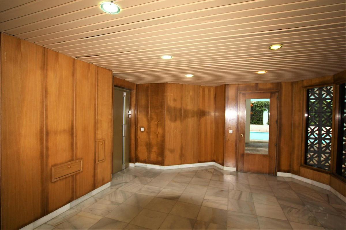 Apartamento en Venta en Marbella – R3806008