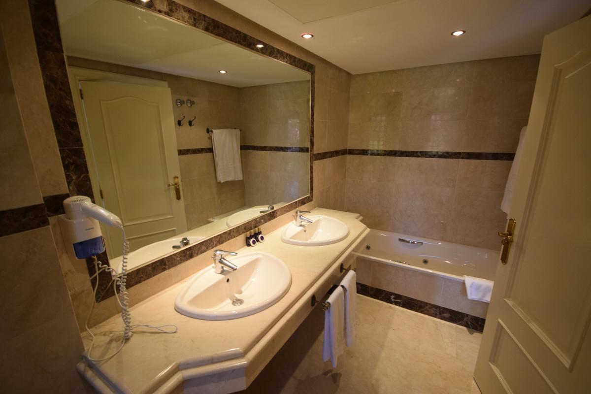 Apartamento en Venta en Puerto Banús – R3857650