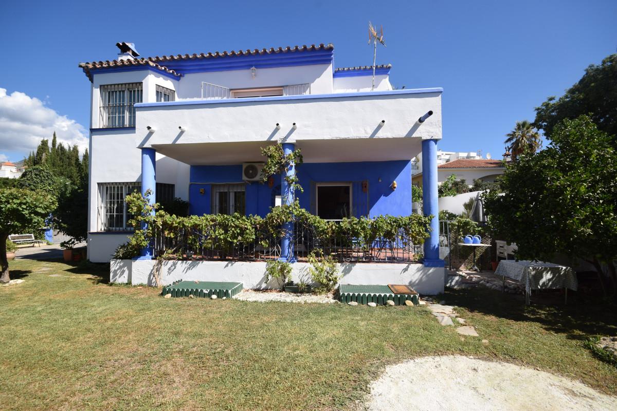Marbella Banus Villa en Venta en Marbella – R3923101