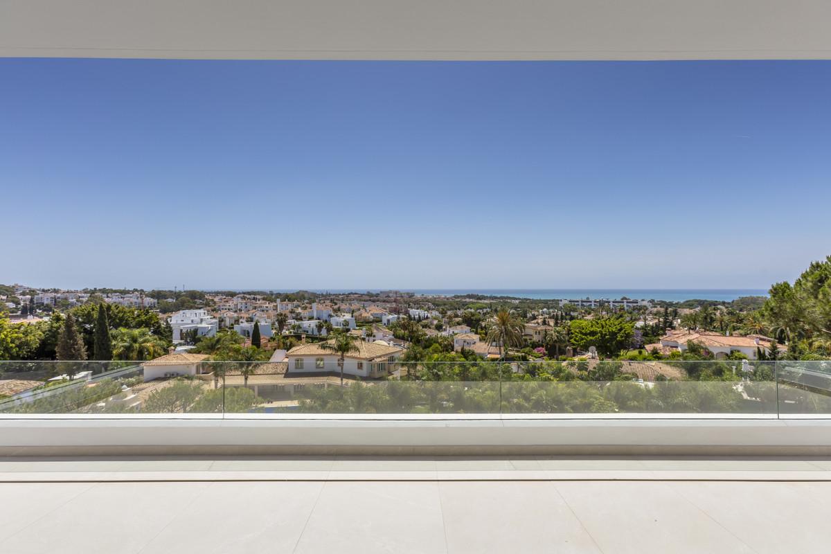 Marbella Banus Villa en Venta en El Paraiso – R3827092