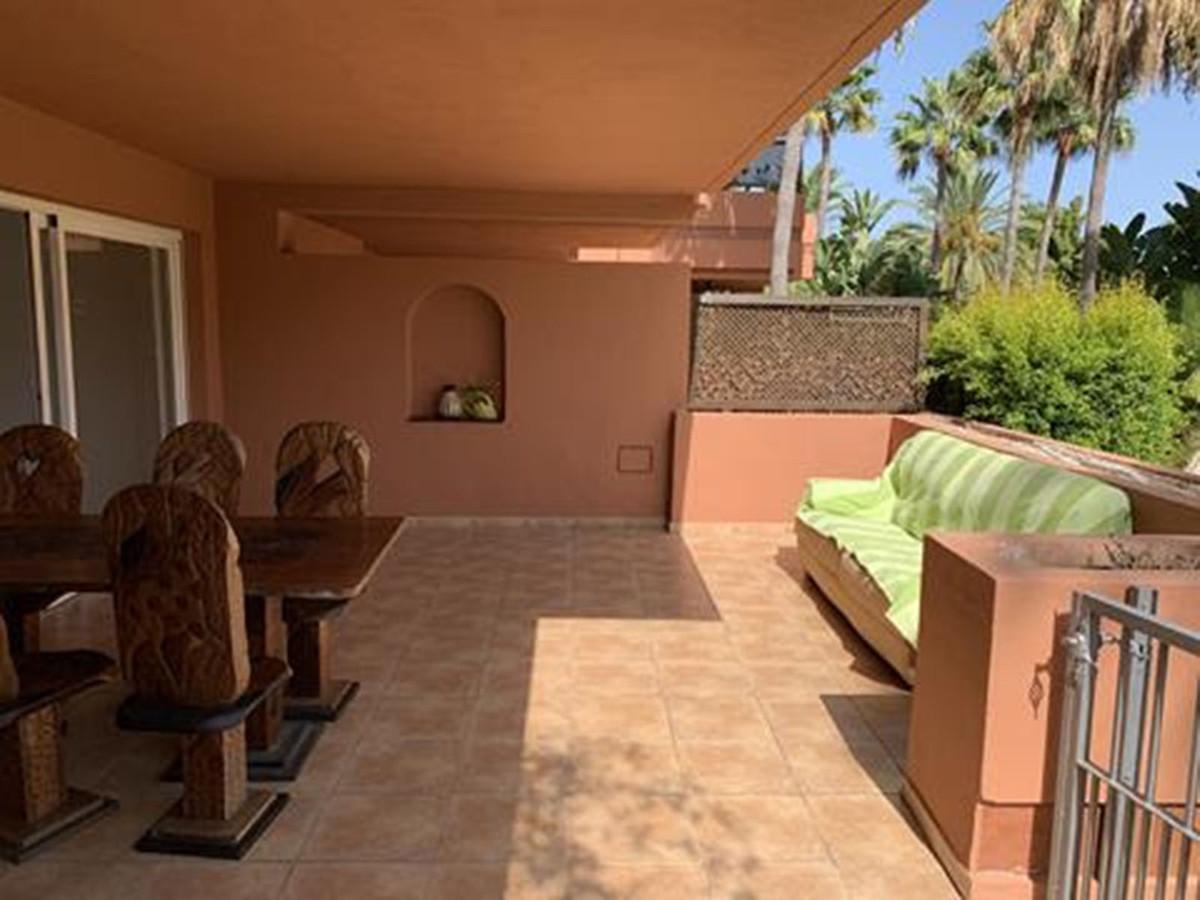 Marbella Banus Apartamento en Venta en Puerto Banús – R3843685