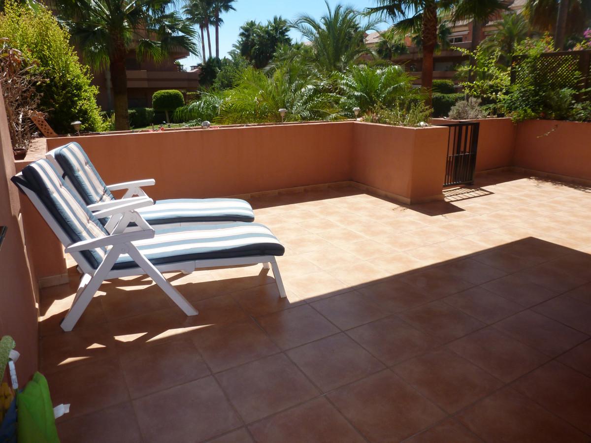 Apartamento en Venta en Puerto Banús – R3843685