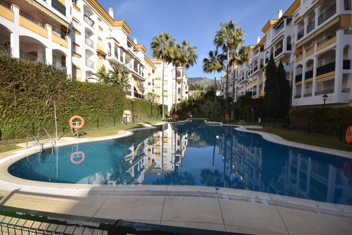 Marbella Banus Apartamento Planta Baja en Venta en Marbella – R3598373