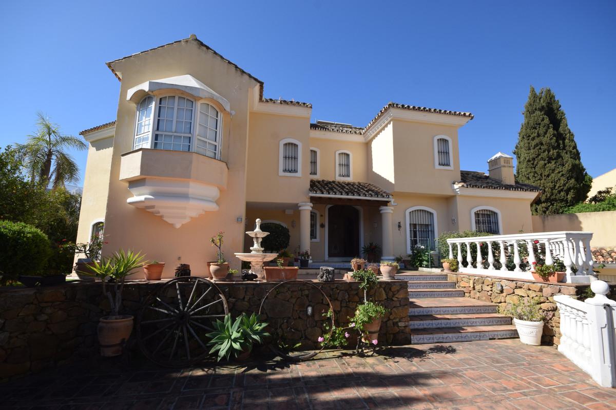 Marbella Banus Villa en Venta en Marbella – R3827971